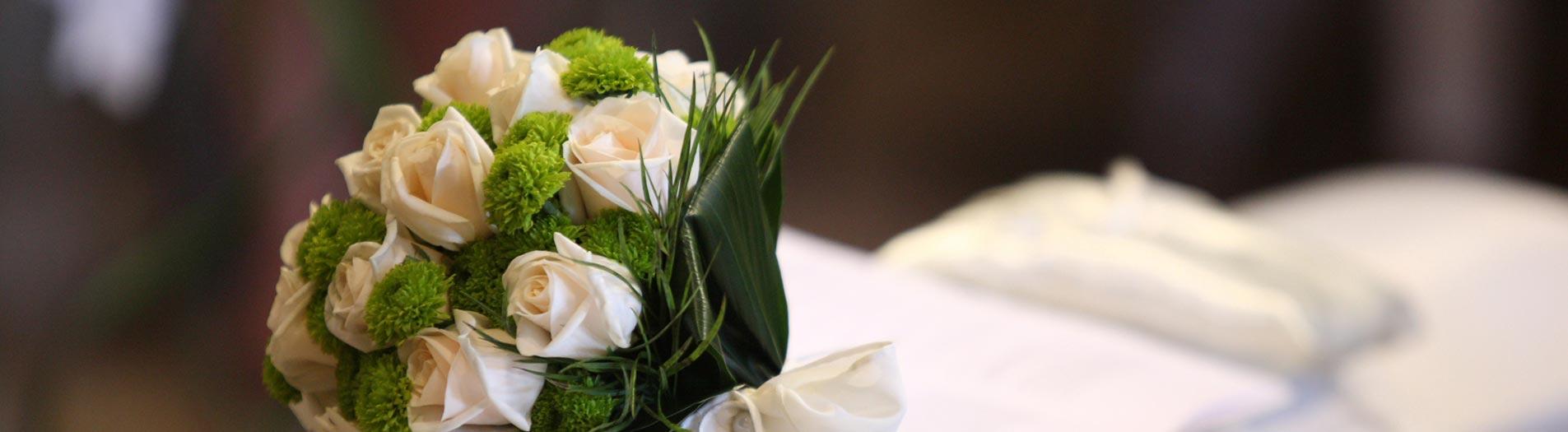 Bouquet e addobbi floreali per matrimonio con crisantemi for Fiori verdi