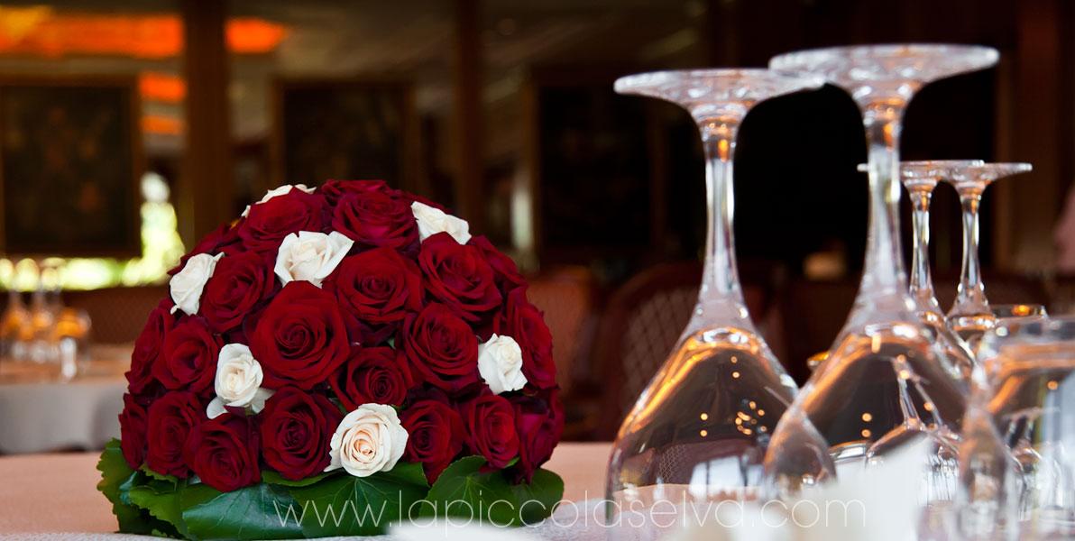 Matrimonio Tema Rose Rosse : Matrimonio con rose rosse