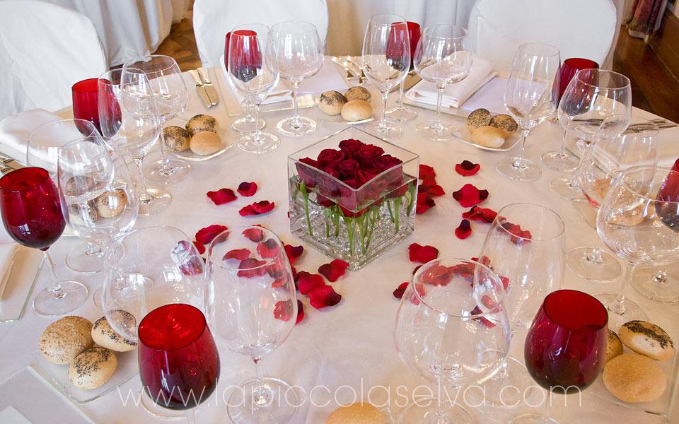 Matrimonio Tema Rosso E Bianco : Matrimonio con rose rosse