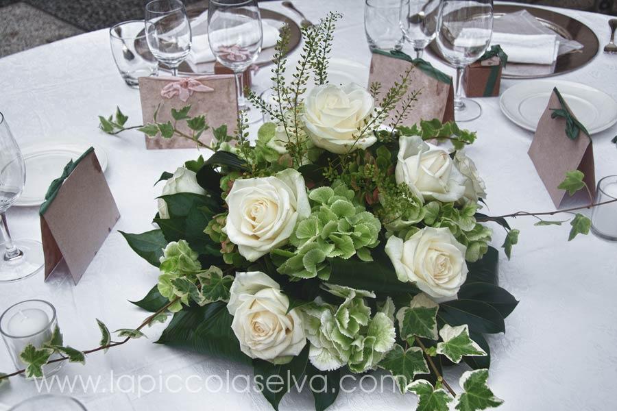 Matrimonio Tema Fiori : Abbobbi floreali centrotavola e bouquet a tema bianco verde