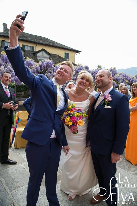 Matrimonio Tema Arcobaleno : Matrimonio a tema fiori arcobaleno sul lago d orta