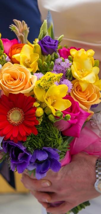 Matrimonio Tema Arcobaleno : Floral designer matrimonio bouquet sposa e addobbi floreali
