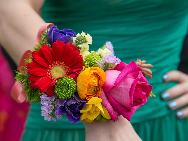 Matrimonio Tema Lago : Matrimonio a tema fiori arcobaleno sul lago d orta