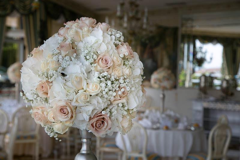 Matrimonio In Rosa E Bianco : Fiori per matrimonio a villa aminta di stresa lago maggiore
