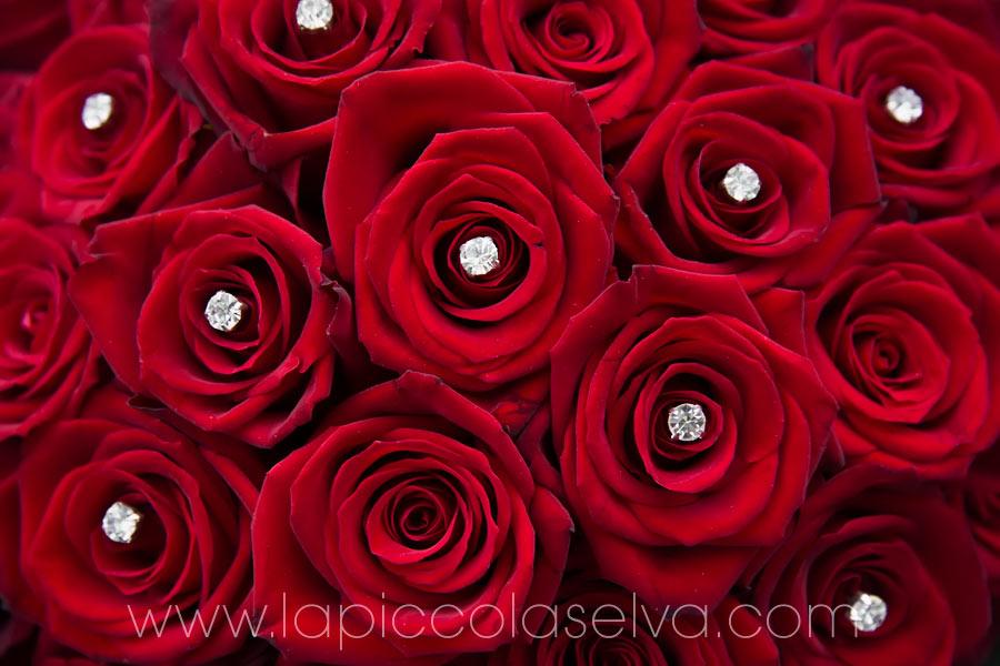 Bouquet Sposa Con Rose Rosse.Matrimonio Con Rose Rosse